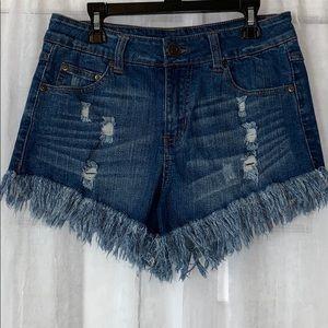 Elan Distressed Fray Hem Demin Jean Shorts M